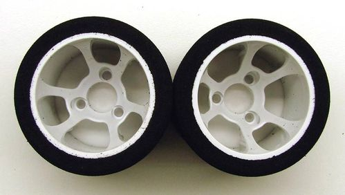 CRC 2199 - Pro-Cut 1/12 foam wheels on HR-38 Flex rims - ORANGE - rear (2 pcs)