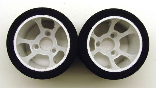 CRC 2175 - Pro-Cut 1/12 foam wheels on HR-38 Flex rims - PINK - rear (2 pcs)