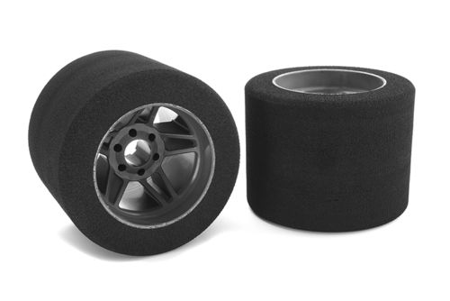 Corally 14715-32 - Attack 1:8 Foam Tires - Rear - Carbon Wheel - 32 Shore (2 pcs)